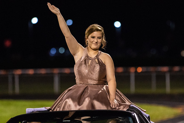 2018_10_5_Football_Homecoming-15