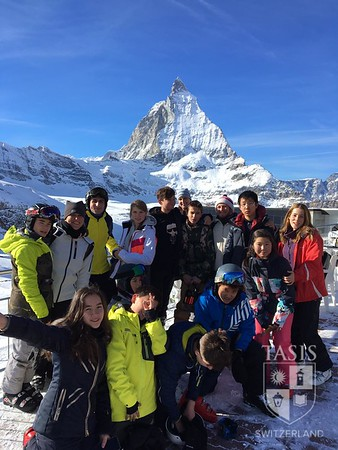 Middle School Students Hit the Slopes in Zermatt!