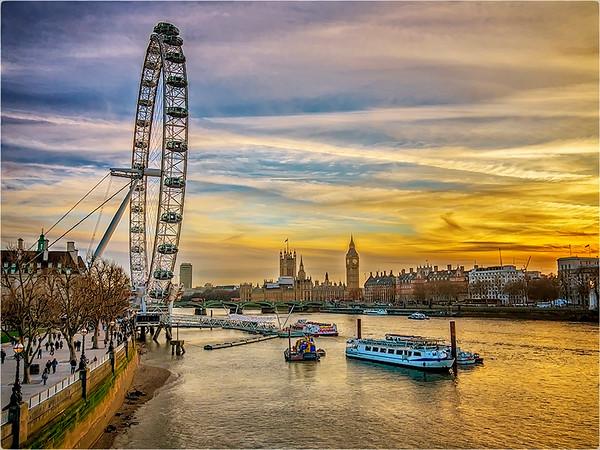 London Sunset-Anastasia Tompkins PSA Score 8