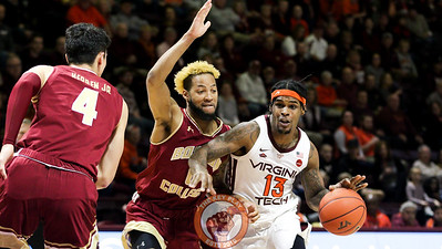Ahmed Hill drives towards the basket in the first half. (Mark Umansky/TheKeyPlay.com)