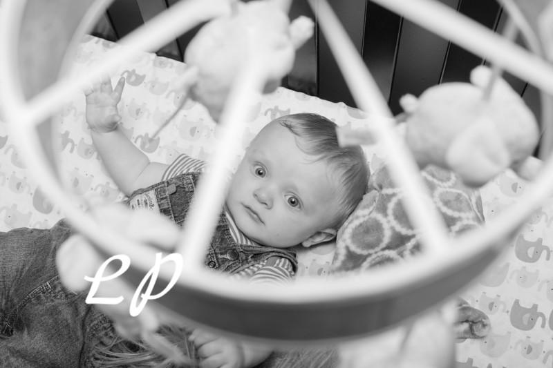 Elijah 6 months (12 of 25)