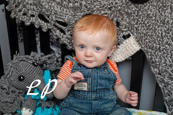 Elijah 6 months (1 of 25)