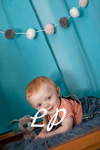 Elijah 6 months (7 of 25)