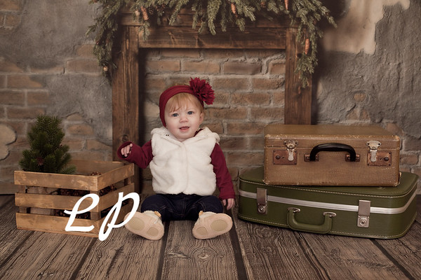 Childers Santa Christmas and 9 mo (10 of 15)