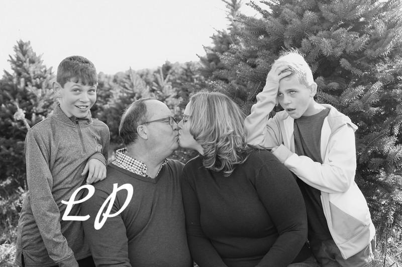 Ewing Family Christmas 2018 (10 of 30)
