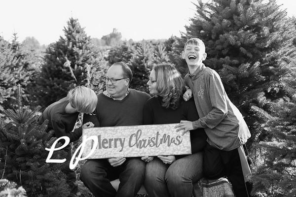 Ewing Family Christmas 2018 (4 of 30)