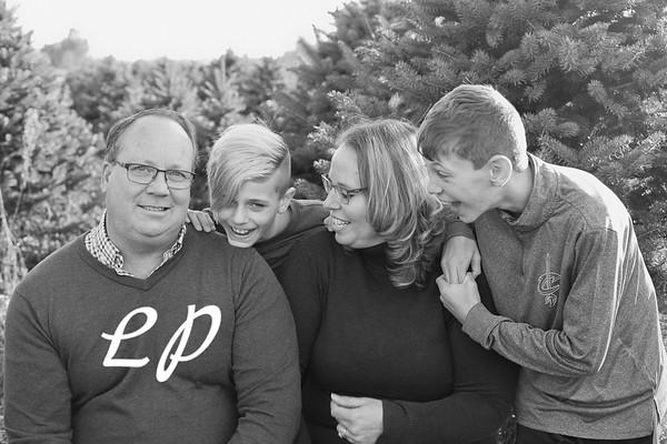 Ewing Family Christmas 2018 (6 of 30)