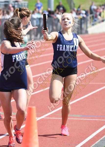 Franklin girls relay handoff