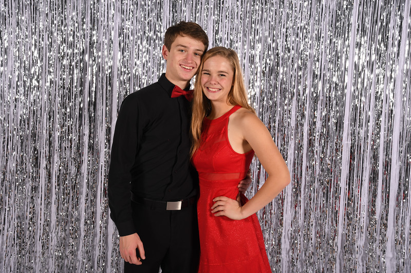 11-16-2018_Winter Formal-212-LJ