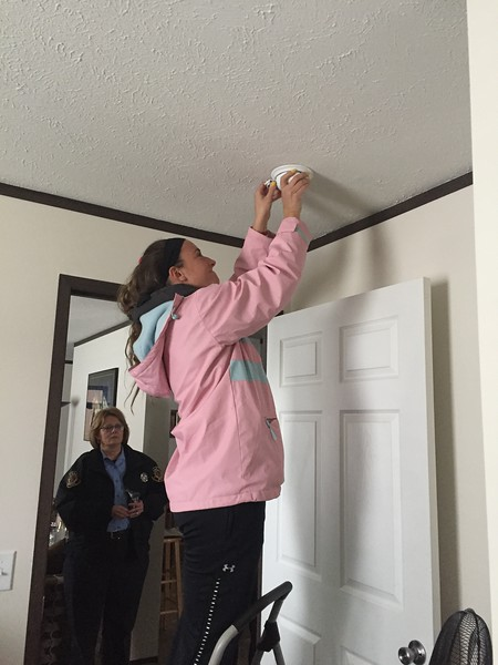 Installing Smoke Alarms with City of Rochester Hills Fire
