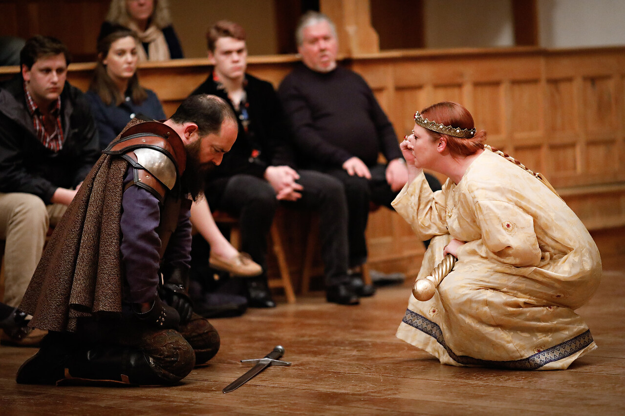 David Anthony Lewis as Bullingbrook and Sarah Fallon as Richard II in RICHARD II.  Photo by Lindsey Walters.