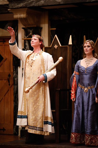Sarah Fallon as Richard II and Lauren Ballard as Isabel in RICHARD II.  Photo by Lindsey Walters.
