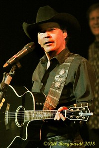 Clay Walker - Festival Place 091