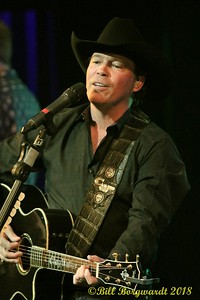 Clay Walker - Festival Place 080
