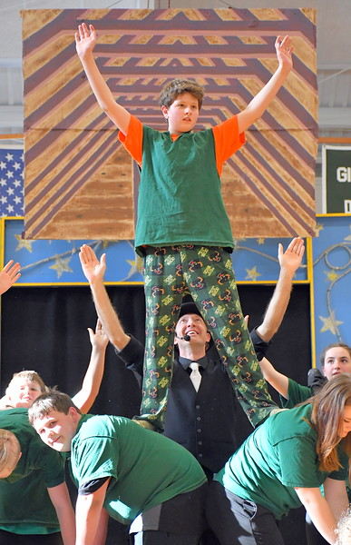 Sharon Academy Circus 040518