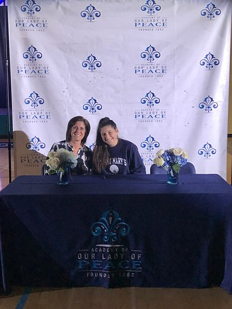 2018 Athletic Signing Photos