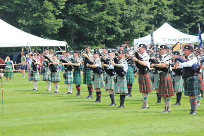 Pipers in the massed band (1)