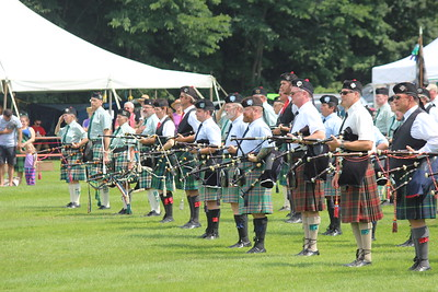 Pipers in the massed band
