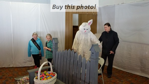 Brooten Easter bunny visit 03-31