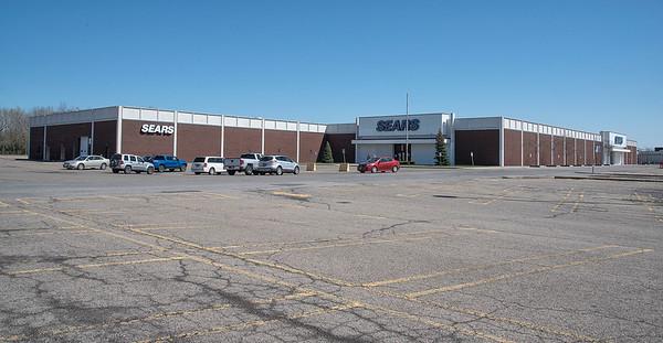 180508 Sears Closing 2