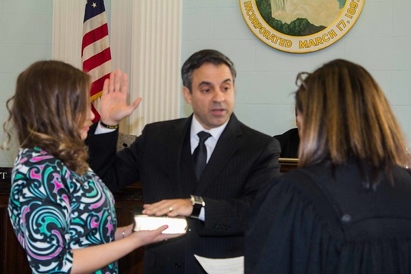 180101 Oath of office 2