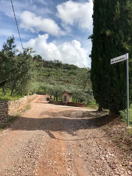 via del Paradiso, above Spello