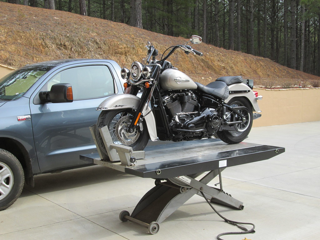 Any body with a Handy Motorcycle Lift Table please answer