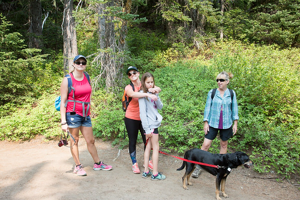 2018-08-12 Hiking on Chinook Pass, Dewey Lakes, PCT