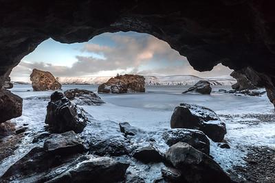 ICELAND, KLEIFARVATN LAKE - 5224
