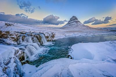 ICELAND, MOUNT KIRKJUFELL-42925-1