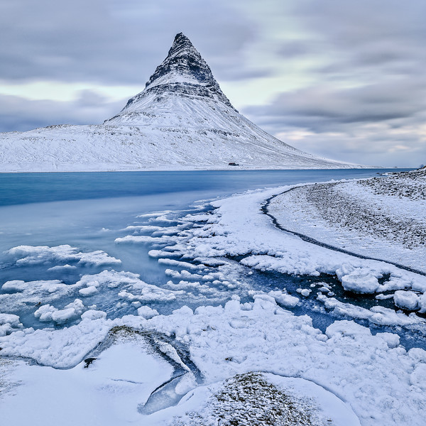 ICELAND, MOUNT KIRKJUFELL-5571