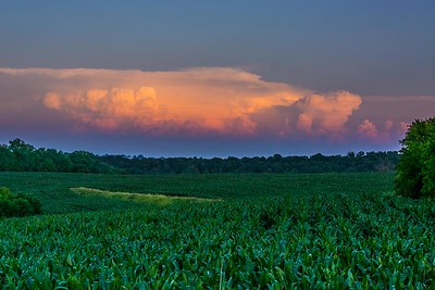 DA040,DP,Thunderstorm_Caps_Ready-to_burst_over_Iowa_cornfields-4502