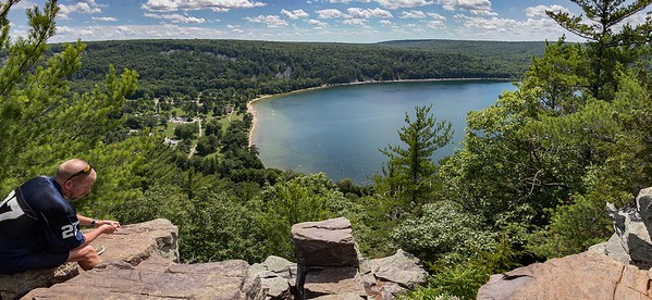 DA022,DT,enjoying_the_view_devils_lake_baraboo_wisconsin
