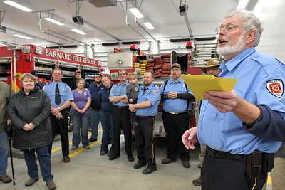 RSR_4711 fire chief scott mills presents a thank you to phillip maynes,