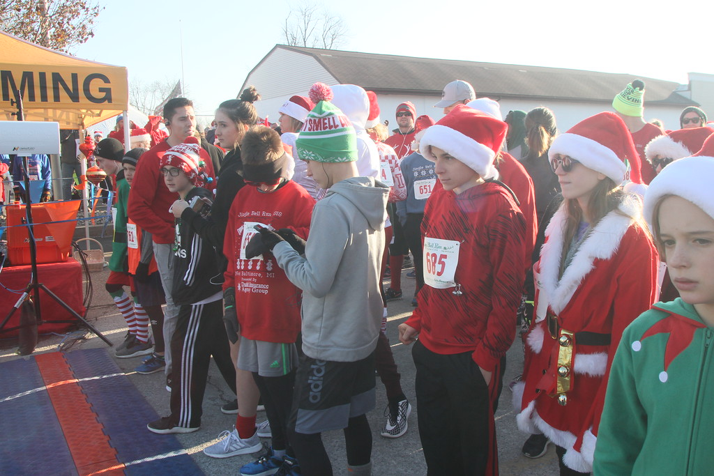 . The Jingle Bell Run drew runners and walkers to downtown New Baltimore on Dec. 9, 2018. (Photos by Dave Angell)