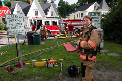 4 Dozens of firefighters from around the region responded to help Woodstock's volunteers at the scene early Monday morning