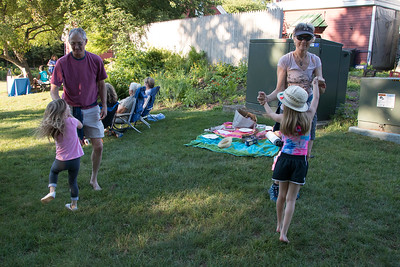 14-Spafford_and_Kathy_Ackerly_dancing_with_their_granddaughters_Quinn_and_Maya_to_Marc_Bergers_music