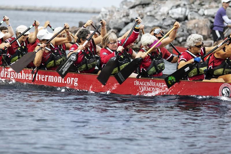SE women rowing