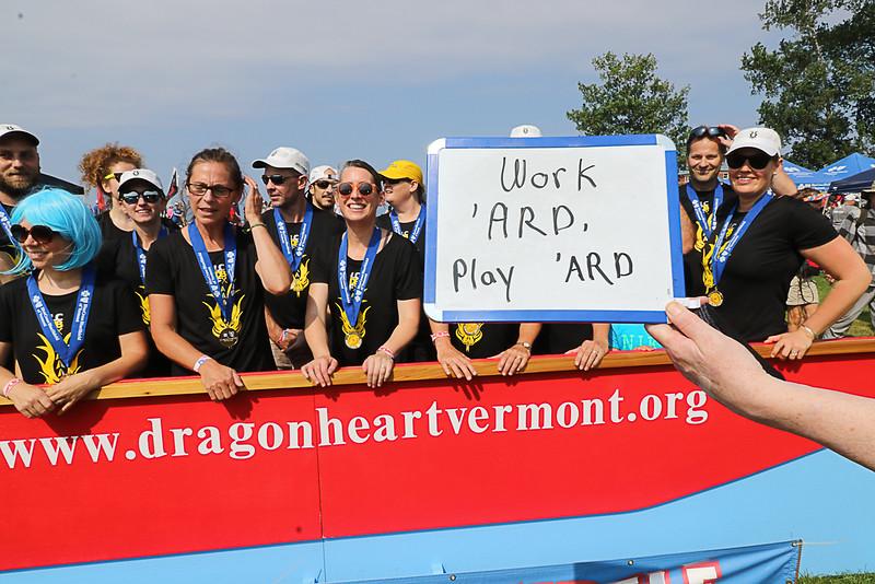 DFB Work 'ARD, Play 'ARD Sign-2161