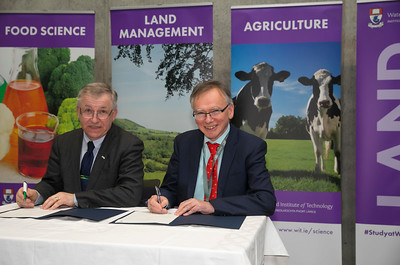 09/03/2018.  Land Sciences Careers Day. Waterford Institute of Technology and Teagasc marked 40 years of partnership at a Land Sciences Careers event for WIT students at the WIT Arena. The programmes the two collaborate on span right across the board from agrifood, to forestry, and horticulture.  Pictured is Gerry Boyle, Director of Teagasc and President of WIT Prof. Willie Donnelly. Picture: Patrick Browne