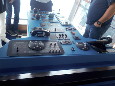 Ships bridge side controls