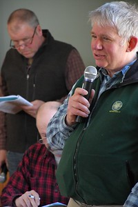 DSC_7842_Richard Lancaster speaks on town matters