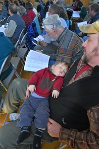 DSC_7831_Ruari Edmunds, 8 months, with his dad Dean