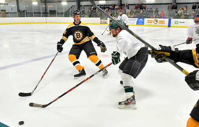 DSC_6160 pat traverse, one season with bruins,,vs bill goodhue of UA Bears