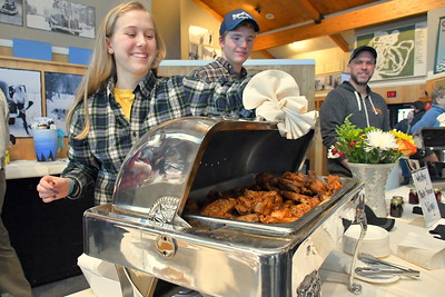 DSC_1828 annabelle lessard and ora astbury,,,set to serve Maple Bacon Wings,,,,at Worthy Kitchen