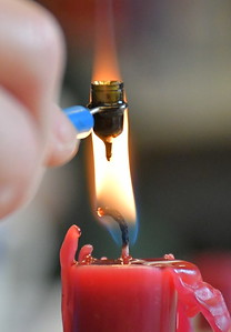 DSC_0596 melting wax in a tool called a kistka