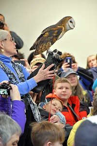 DSC_5401 marcia wilson,, of Eyes On Owls, from MA,,guest speaker,,giving talk about owls of the world