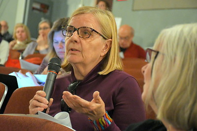 DSC_7233 pat hesterberg,,,asks why there is a minimum charge on water bill that costs more than the amount of water acutally used