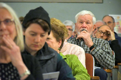 DSC_7310 byron quinn,,,question on town budget