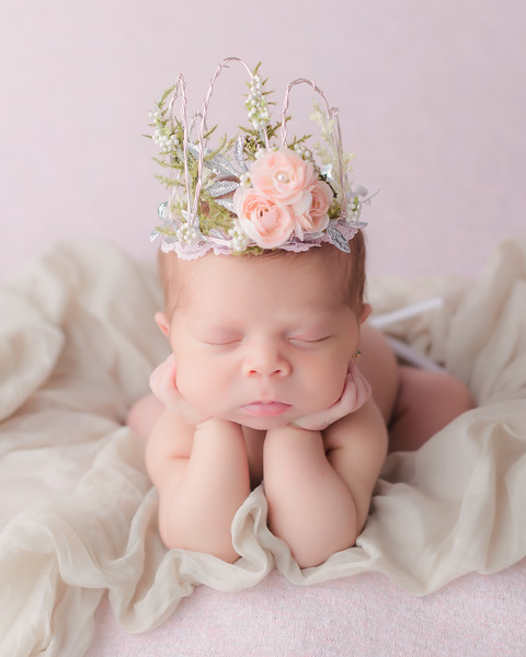 Mia Aylanie Newborn Session